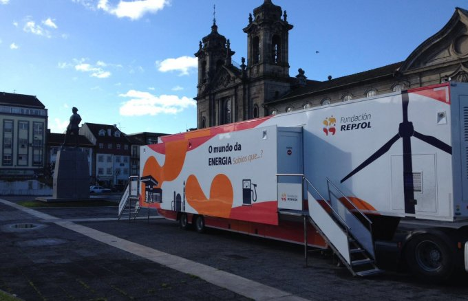 The Mobile Classroom starts its tour through Portugal