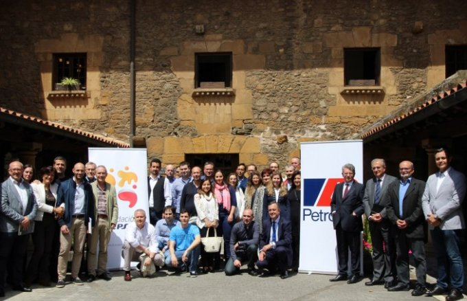 Group picture during the closing ceremony of Fundación Repsol's VT Energy programme.