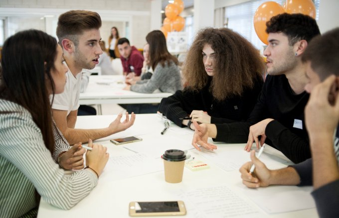 VT students from A Coruña taking part in one of the Fundación Repsol Entrepreneurship in VT project activities